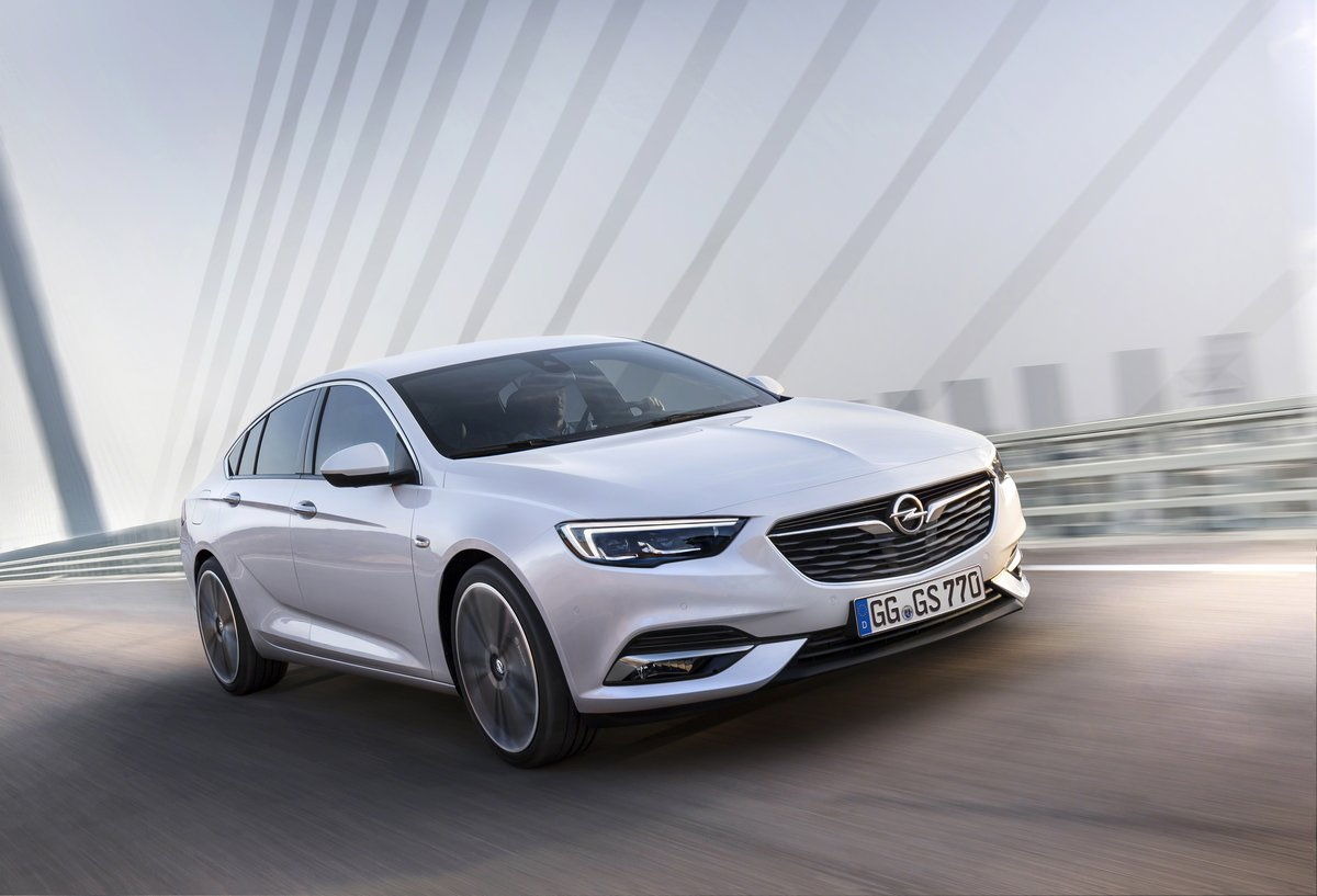 "Постер ""Opel Insignia Sedan (2017)"", 29x20 см, на бумаге от Artwall"