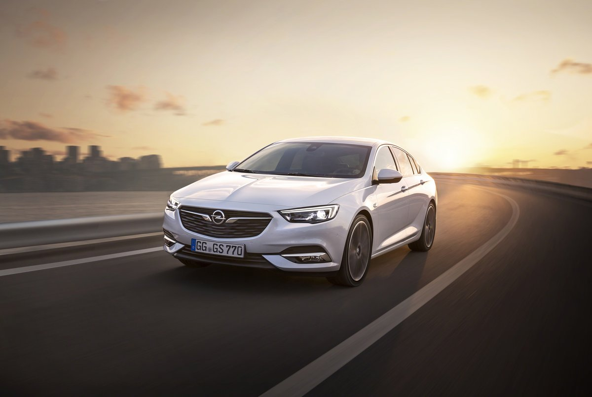 "Постер ""Opel Insignia Sedan (2017)"", 30x20 см, на бумаге от Artwall"