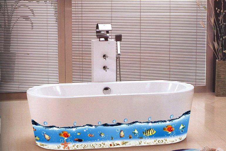пример декорирование ванны с помощью наклейки