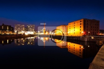 Albert Dock liverpool ночью,