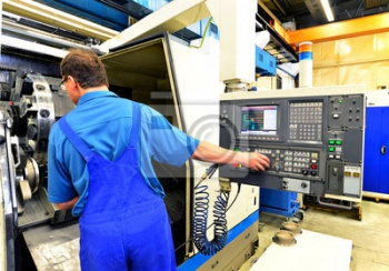 Bedienung ЧПУ Maschine in der Industrie,