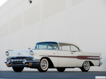 Pontiac Star Chief Custom Catalina 2-door Hardtop (2837SD) '1957 Произведены 32862 единицы,