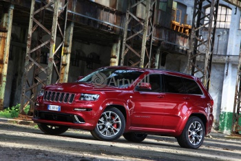 Jeep Grand Cherokee SRT8,