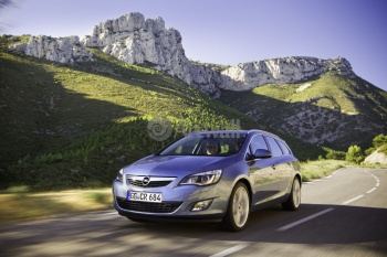 Opel Astra Sports Tourer (арт. am3880),