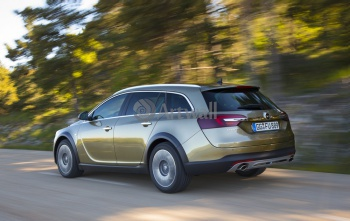 Opel Insignia Country Tourer (арт. am3897),